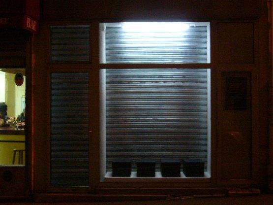 92VID_VITRINE-NIGHT (WEB)
